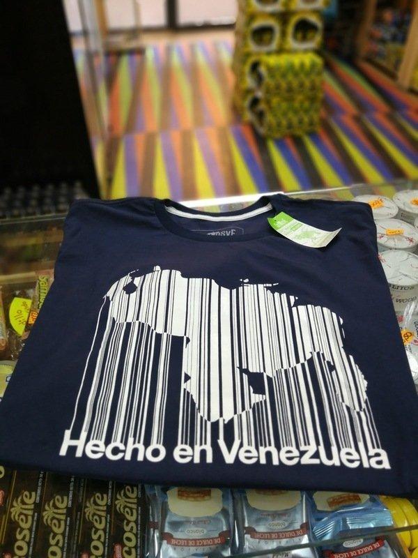 Camiseta Negra mapa Hecho en Venezuela
